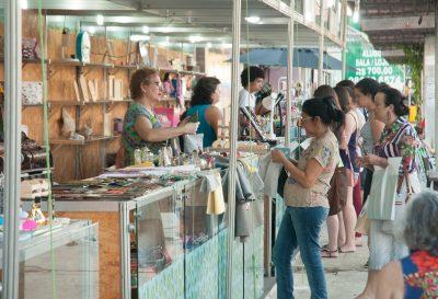 feira-de-economia-criativa-toma-conta-da-monsenhor-tabosa-e-movimenta-comercio-do-corredor-turistico-neste-fim-de-semana